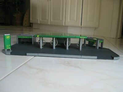 Build Your Own BP Model Service Station - 1995 Edition - Comes in Original Box