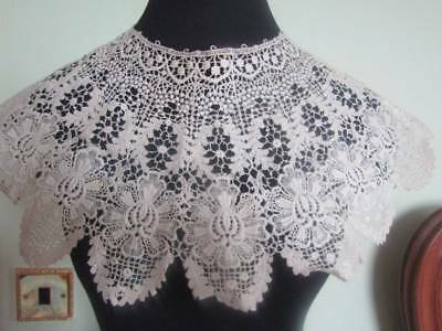 Lovely Deep Schiffili Antique Lace Collar