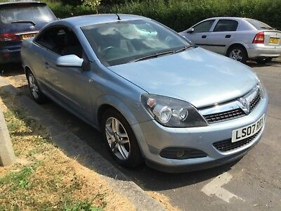 2007  Vauxhall Astra Twintop Convertible 1.8  Automatic Petrol - 68000 Miles