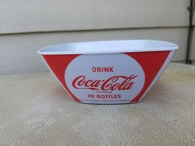 Gibson Red Classic COCA COLA Drink Serve Ice Cold Plastic Melacore SQUARE BOWL