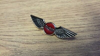 Motorcycle Pin Badge 'triumph Wing - Red' Motorbike Lapel Badge - Bg38A
