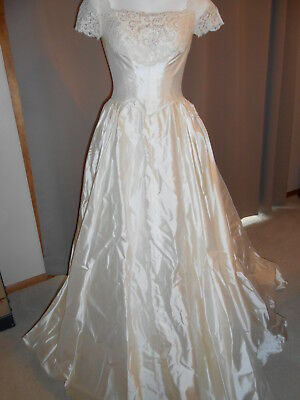 VINTAGE 40\'S OR 50\'s Ivory Silk Long Wedding Gown short Sleeves ...