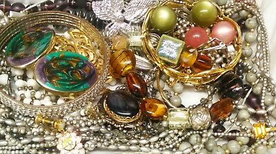 ( 2 lbs) Estate Lot of Vintage to Modern Jewelry Very Nice & All Wearable (B)