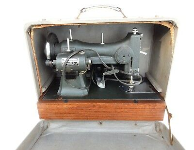 VINTAGE WHITE ELECTRIC Rotary Series 40 Sewing Machine Case Included Mesmerizing White Sewing Machine Series 77