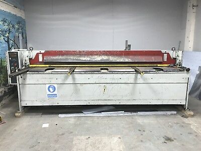 baykal direct drive guillotine shears 3 phase 3mtr long up to 4mm thickness