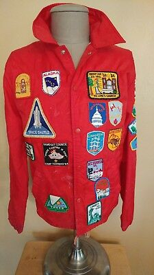 VINTAGE 1980 BSA RED JACKET WITH 36 PATCHES VERY GOOD CONDITION  l SCOUTS USA