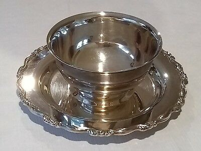 """Oneida Silverplate Gravy Sauce Bowl with Underplate Scroll Design 8"""" Wide Great"""