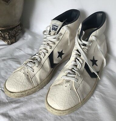 932bf6530633 VINTAGE RARE CONVERSE All Stars Dr J Hi Tops White With Star ...