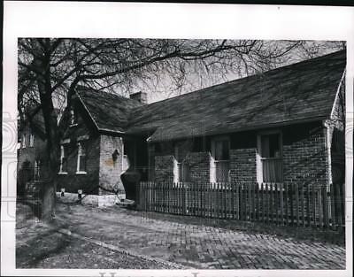 1966 Press Photo Old Brick house at German Village, Ohio - cvb18652