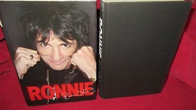 RONNIE ~ Ron Wood. 2007 HbDj  illustrated  CANDID!   97801405038171      in MELB