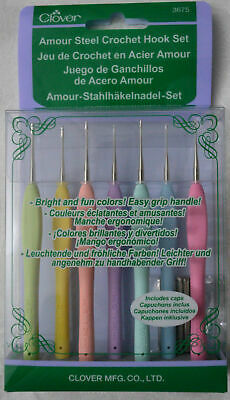 Clover Amour Crochet Hook Set of 7, 0.6mm to 1.75mm, Soft Grip