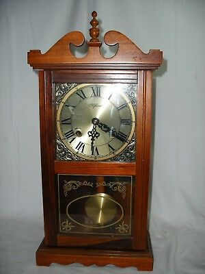 Highlands Vintage style mantle or wall clock chimes on the hour with silent mode
