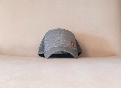 f7fa96a8338 UNDER ARMOUR MEN S Charcoal Gray Adjustable Hat ArmourVent Flex ...