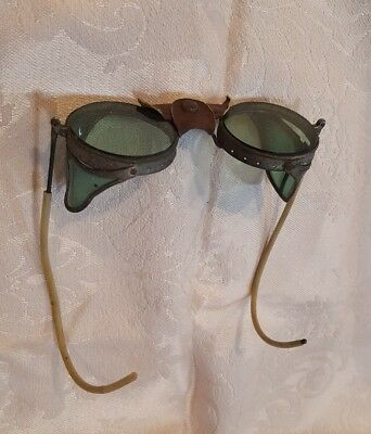 Vintage Safety Goggles Green Glass S.1.7 Side Wings Steampunk Leather nose piece