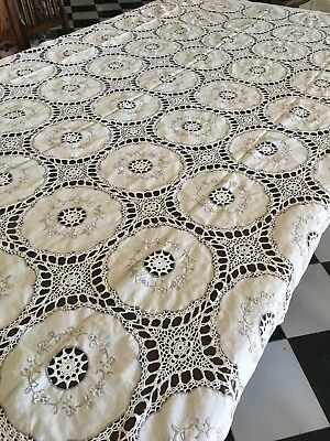 VINTAGE 1950s STUNNING Beige With Circles Crocheted TABLECLOTH 150cm x 206cm