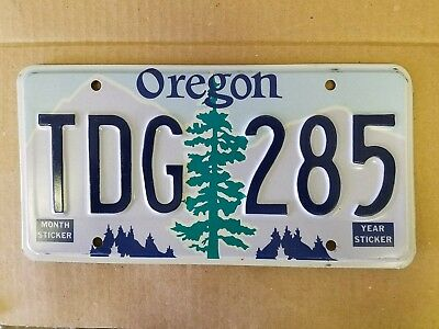 Oregon license plate preowned expired good condition TDG 285
