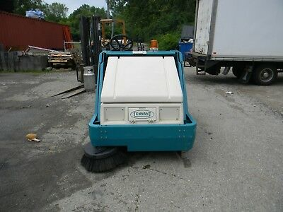 Tennant 6400 Ride-On Floor Sweeper  scrubber 254 hours GREAT MACHINE