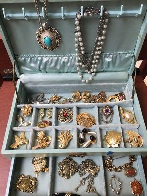 Vintage Jewelry Box LARGE LOT Ladies  Estate Necklaces Brooch Pins