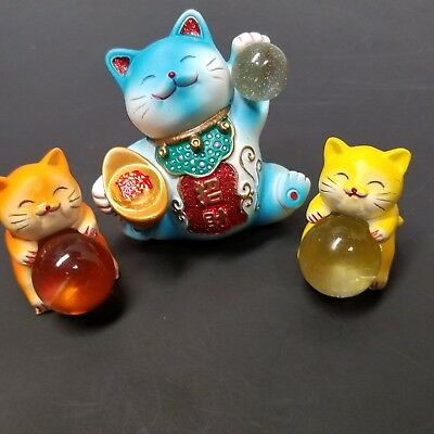 Set Of 3 Japanese Ceramic Lucky Cats Holding Crystal Balls Fortune Prosperity