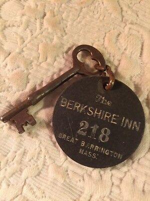 THE BERKSHIRE INN GREAT BARRINGTON MASS. Cardboard Hotel Room Fob & Skeleton Key
