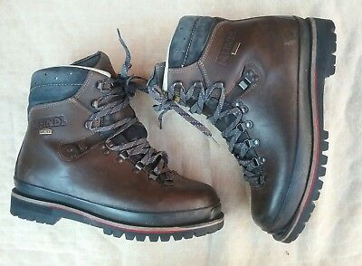 3905fe93fbd MENS MEINDL GORE Tex Vibram Sole Hiking Walking Boots Size 8 Great Con!!