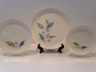 "Lot Of 3 Salem Biscayne Plates In 3 Sizes 9.25"" 7 3:8"" 6 1/8"""