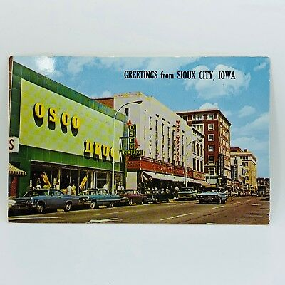 Postcard Iowa Osco Drugs, Woolworth, Old Cars, Greetings From Sioux City 1000-12