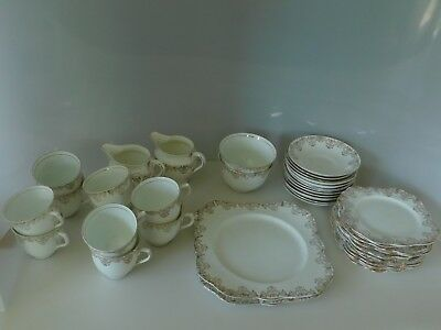 COLCLOUGH Bone China 38 Pieces Pattern Tea Set Made In England