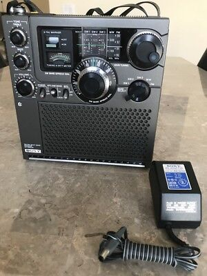 SONY FM/MW/SW1/SW2/SW3 Receiver ICF-5900W W/Adaptor Excellent,Fully Functional.