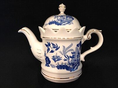 Crown Dorset Staffordshire BLUE WILLOW Teapot 4 cup Blue White Gold Beautiful!!!