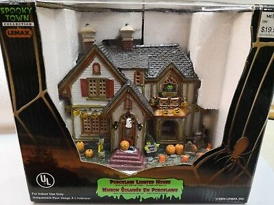2004 Lemax Spooky Town Porcelain Lighted House Retired Halloween MIB NIB?