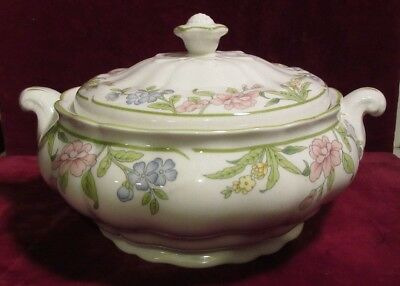 "Royal Doulton Majestic TC1138 SUDBURY 7"" Round Covered Vegetable Serving Bowl D7"