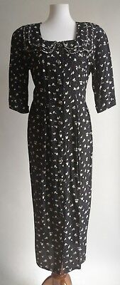 Vtg 80s does 40s Rayon Floral Day Dress Black White Pencil Floral Modest 6 8 USA