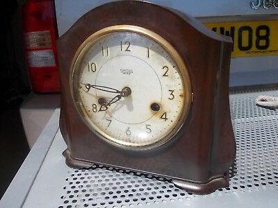 Vintage Smiths Enfield  Bakelite Chiming Mantle mantel clock. PRICE INCL UK POST