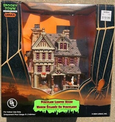 LEMAX Halloween SPOOKY TOWN PORCELAIN LIGHTED HOUSE