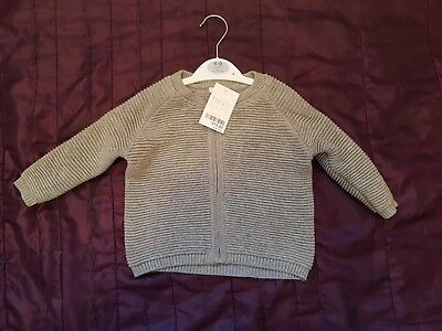 Really Lovely BNWT NEXT baby Grey ribbed zip up baby cardigan. size 6-9 months