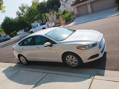 2014 Ford Fusion S Low Mileage, Clean title, Excellent condition, Bought new