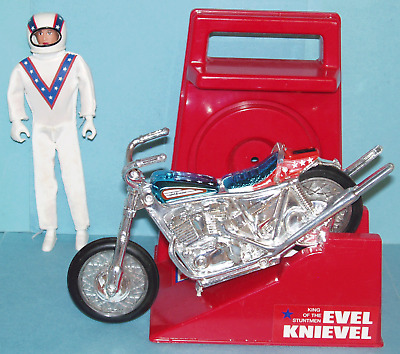EVEL KNIEVEL Deluxe DARE DEVIL STUNT Set (Ideal)