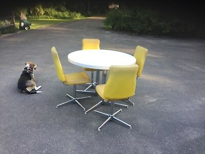 Vintage 1950s Retro Formica Chrome kitch Dinette Table/ 4 Chairs & 1 Leaf YELLOW
