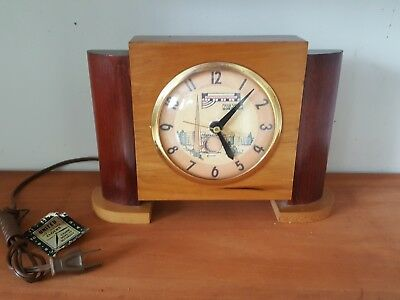 1939 Worlds Fair Vintage United Clock / Nice Maple Modern Design Orig Tag No Res