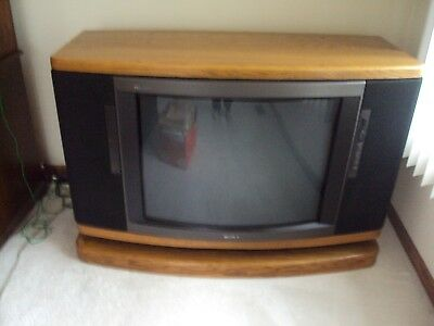 Vintage 1989 Sony Trinitron Television TV Console Solid Oak Wood