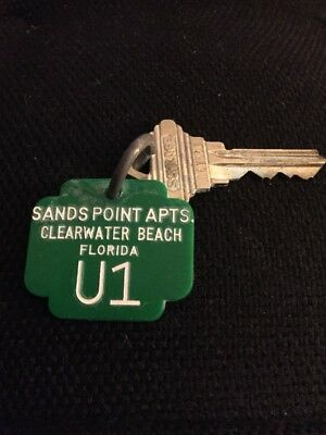SANDS POINT APTS  - CLEARWATER BEACH FLA. / Vintage Hotel Room Key - U1 Ring Fob