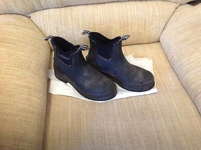 Genuine Muck Boots, size 5. Very good condition