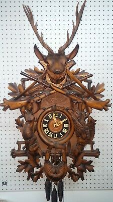 Large Vintage 1 Day Musical Hunters Theme Cuckoo Clock, Excellent Condition
