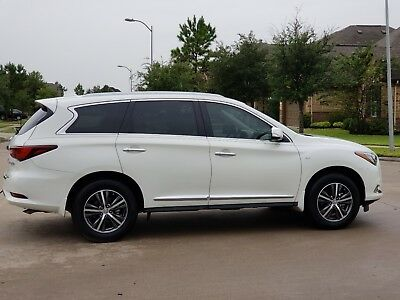 2017 Infiniti QX60  2017 INFINITI QX60  LOADED w GPS, CAMERA, SUNROOF, 7 PASSENGERS   NO RESERVE