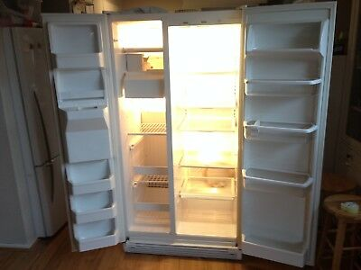 Whirlpool Side by Side Fridge/Freezer with Water and Ice Maker Mod: 6ED25DQXFW01