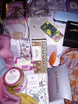 Brandnew bundle ladies gifts jewellery/soaps/candles etc joblot stock clearance