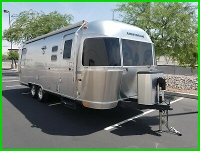2015 Airstream Flying Cloud 25 Rear Queen