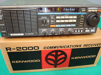 Kenwood R-2000 HF/VHF receiver with VHF VC-10 Accessory   NICE!