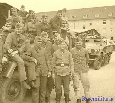**RARE: Wehrmacht Troops w/ Line of SdKfz.251 Schutzenpanzerwagen Halftracks!**